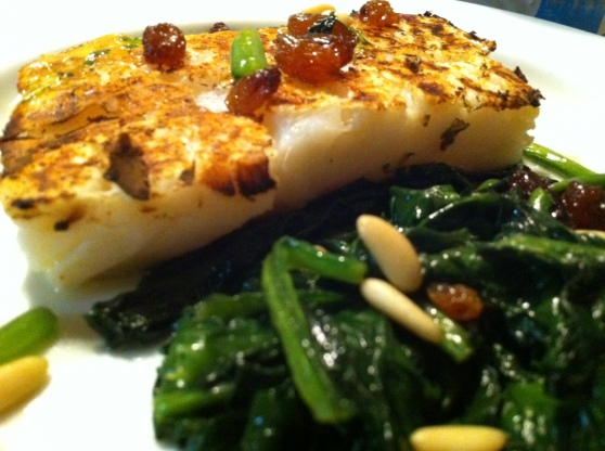 a Carmelitas' classic: Cod fish with spinach, raisins and pine nuts